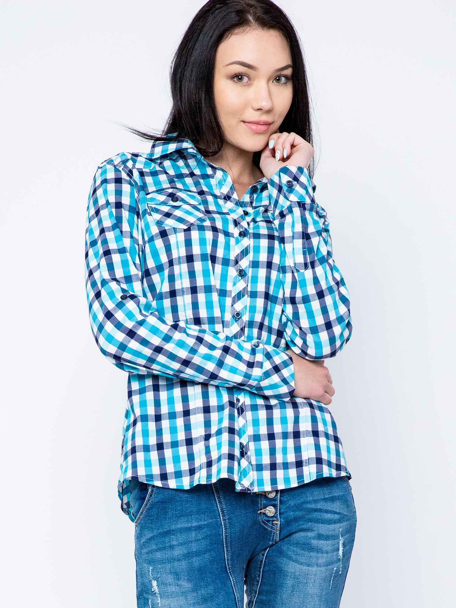 turkusowa koszula w kratke