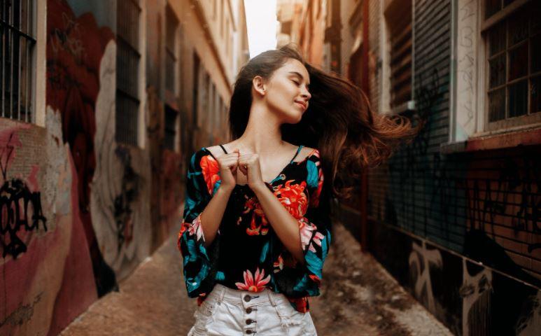 Eleganckie bluzki damskie wieczorowe